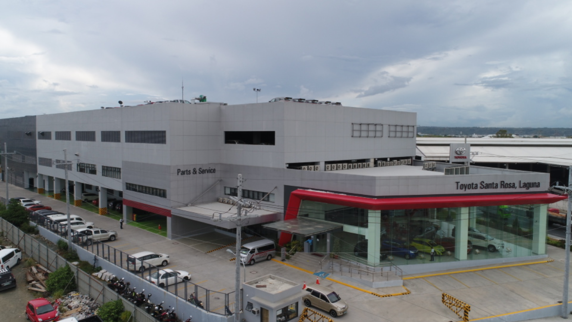 Have your brand new Toyota delivered to you with Toyota Motor Philippines' new home delivery system